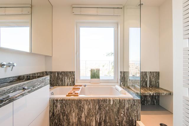 6 me sens nos r alisations salles de bain. Black Bedroom Furniture Sets. Home Design Ideas